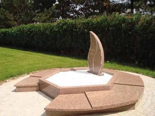 Cimt a columbarium pour urnes fun raires - Dispersion des cendres jardin du souvenir ...